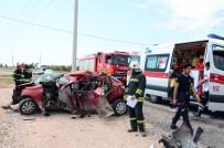 Aksaray'da Direğe Çarpan Otomobil Hurdaya Döndü Açıklaması 1 Ölü, 1 Yaralı