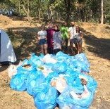 SıNıF ÖĞRETMENLIĞI - Hafta Sonu Tatilini Çöp Toplayarak Geçirdiler