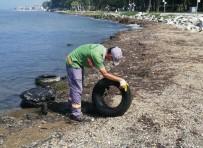 Yalova'da Sahil Temizleniyor