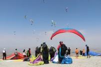 Yamaç Paraşütü Süper Final Test Şampiyonası Türkiye'de İlk Kez Başladı