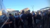 İŞPORTACI - Galata Köprüsü'nde Seyyar Satıcılar Zabıtaya Sopayla Saldırdı