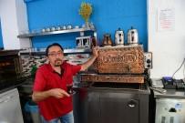Kumlucalı Esnaf, Kibarlığa Göre Çay Fiyatı Belirledi