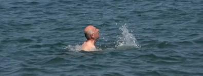 'İnsanlık ölmüş' dedirten sosyal deney...denizde boğulan adama kimse yardım etmedi