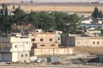 Sınırda Teröristlerin Mevzileri Görüntülendi