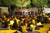Akhisarlılardan Açık Havadaki Konserlerine Büyük İlgi