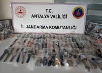 KOL SAATI - Antalya'da 588 Adet Kaçak Kol Saati Ele Geçirildi