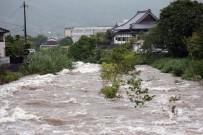 YARDIM ÇAĞRISI - Japonya'da Sel Felaketi Açıklaması 1 Ölü, 2 Yaralı