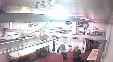 (Özel) Maltepe'de 80 Bin Liralık Et Hırsızlığı Kamerada