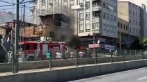 Sultangazi'de Tamirhanede Yangın