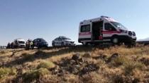 Aksaray'da Düzensiz Göçmenleri Taşıyan Otobüs Kaza Yaptı