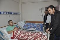 BELEDİYE İŞÇİSİ - Vali Ayhan, Hastanede Yaralıları Ziyaret Etti