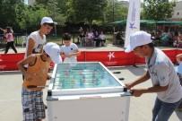 Küçükçekmece'de Çocuklar Yaz Tatilini Yüzme Öğrenerek Geçirdi