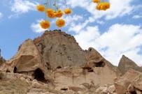 Aksaray'ın Peribacaları Olan Selime Katedrali Turistlerin İlgi Odağı