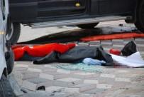 CENAZE ARACI - Anne İle Kızının Üzerine Araç Devrildi Açıklaması 1 Ölü, 7 Yaralı