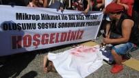 GEZİ TEKNESİ - Ünlü Tatil Merkezinde Kadın Cinayetlerine Kefenle Tepki