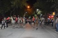 Attan Düşen Binici Diğer Atların Ayakları Altında Kalmaktan Son Anda Kurtuldu