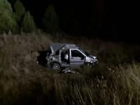 Hafif Ticari Araç Şarampole Yuvarlandı Açıklaması 1 Ölü, 2 Yaralı