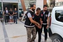 Kocaeli'de Marketten 40 Bin TL'lik Sigara Ve Kuru Yemiş Çalan 3 Şahıs Yakalandı