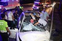 Kocaeli TEM'de Makas Atan Otomobil Tıra Arkadan Çarptı Açıklaması 2 Ağır Yaralı
