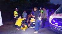 TEM'de Kontrolden Çıkan Hafif Ticari Araç Devrildi Açıklaması 6 Yaralı