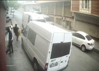 Sultangazi'de Hırsızlar Elbiseleri Kucaklayarak Böyle Çaldı