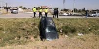 Boş Sulama Kanalına Düşen Otomobil Korkuttu