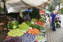 ADNAN MENDERES - Boyabat Köy Pazarında Yerli Üreticiler Satıştan Memnun