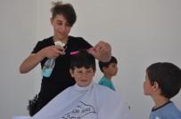 Gönüllü Kuaförler Bayram Öncesi Çocuklara Öyle Bir Jest Yaptı Ki
