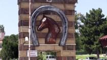 İşletmeden Kaçan Safkan Arap Atları Yakalandı
