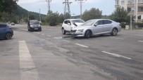 Kontrolden Çıkan Araçlar Çarpıştı Açıklaması 1 Yaralı