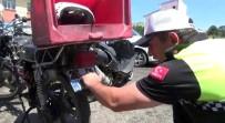 RUHSATSIZ SİLAH - Paket Servisi Yapan Motosikletler Denetlendi