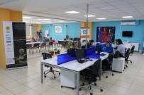 ARABESK - 250 Metrekarelik Ofisten Yayın Yapan Rozana FM'i 2 Buçuk Milyon Suriyeli Dinliyor