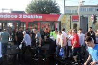 CEVIZLIBAĞ - Cevizlibağ'da Su Tankeri Tramvaya Çarptı Seferler Durdu