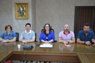 İzmit Belediyesi Masa, Sandalye Ve Tabura Alım İhalesi Gerçekleştirdi