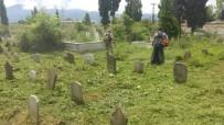 Kartepe'de Mezarlıklara Bayram Bakımı