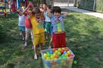 YAZ OKULLARI - Yunusemreli Minikler Hem Eğleniyor Hem Öğreniyor