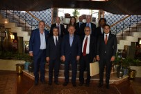 OLYMPIAKOS - Başakşehir Ve Olympiakoslu Yöneticiler Dostluk Yemeğinde Buluştu