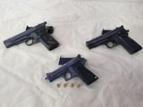RUHSATSIZ SİLAH - Emniyetten Silah Kaçakçılığı Operasyonu Açıklaması 3 Gözaltı