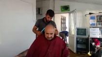 HAYRULLAH TANIŞ - Gürpınar'da Yaşlı Ve Hastalara Kuaförlük Hizmeti