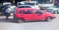Satıp Parasını Alamadığı Otomobilini İterek Kaçırırken Güvenlik Kamerasına Yakalandı