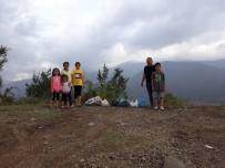 KARABÜKSPOR - Tatile Gelen Gurbetçi Çocuklarıyla Birlikte Çöp Topladı