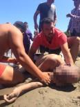 ALI ÖZTÜRK - Boğulma Tehlikesi Geçiren Şahsı Cankurtaranlar Son Anda Kurtardı
