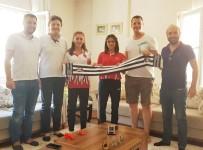 ÇAM SAKıZı - Burhaniye'de Beşiktaşlılar Dünya Şampiyonlarını Ziyaret Etti