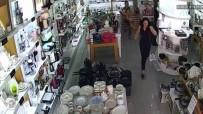 Depremde Panikleyen Vatandaşların Kaçışma Anı Kamerada