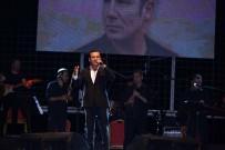 FERHAT GÖÇER - Ferhat Göçer Konserine Kocaeli'de Yoğun İlgi