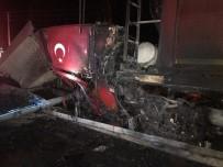 Konya'da TIR bariyerlere çarptı: 1 ölü