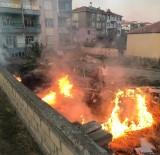 Tahtaların Bulunduğu Arazideki Yangın Evlere Sıçramadan Söndürüldü