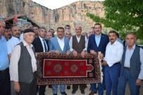 SERVİSÇİLER ODASI - Tüfenkci Ve Gürkan Akçadağlılarla Bir Araya Geldi