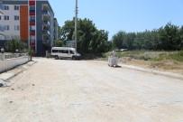 FUTBOL SAHASI - Umurlu'da Yol Yapım Çalışmaları Tamamlandı