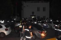 POLİS KÖPEĞİ - 300 Polis Barlar Sokağına Girip Ünlü Mekanları Didik Didik Aradı